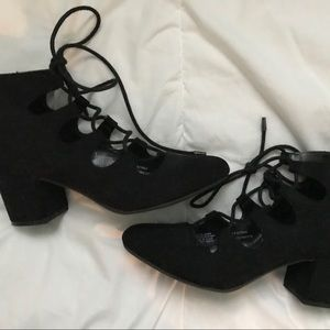 Shoes - Block heel lace ups